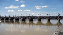 Bordeaux, Le pont de Pierre sur la Garonne
