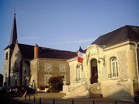 Fleury-les-Aubrais Mairie et Église